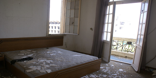 aley-jbeily-hotel-bedroom