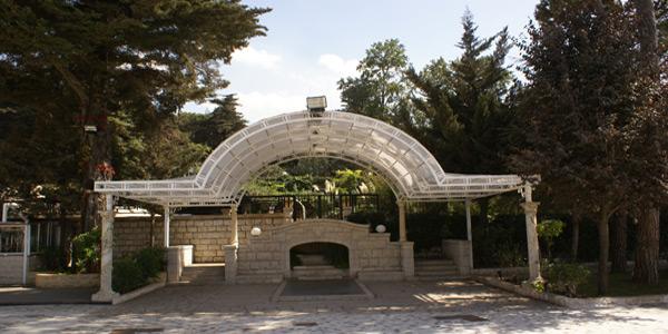 aley-liban-villa-asmahan-exterior-patio