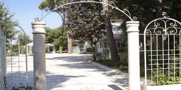 aley-villa-asmahan-entrance